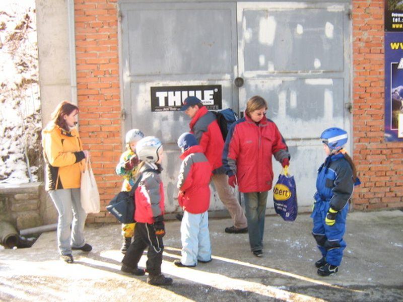 http://www.katlen.cz/media/fotogalerie/2008/soustredeni-malenovice/019.jpg