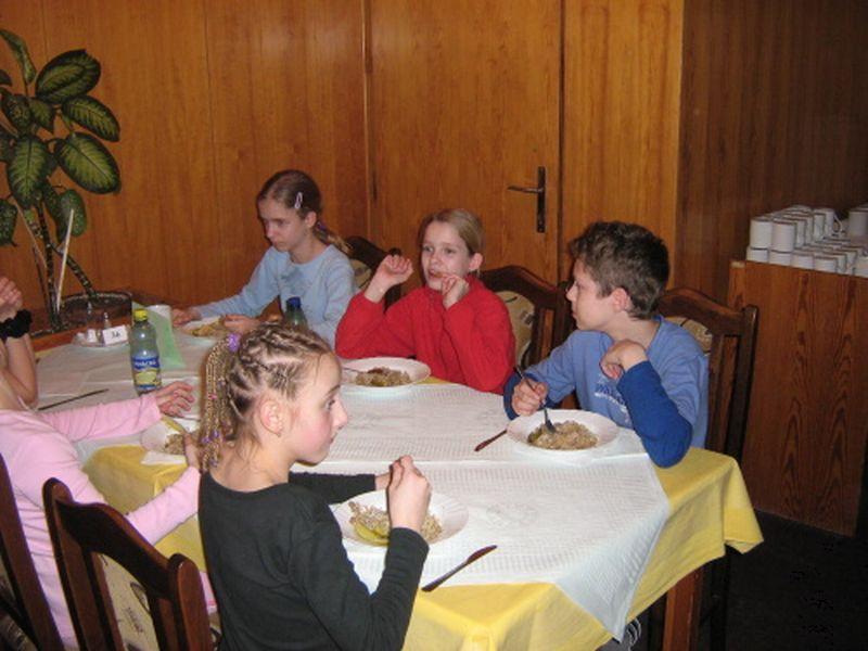 https://www.katlen.cz/media/fotogalerie/2008/soustredeni-malenovice/024.jpg