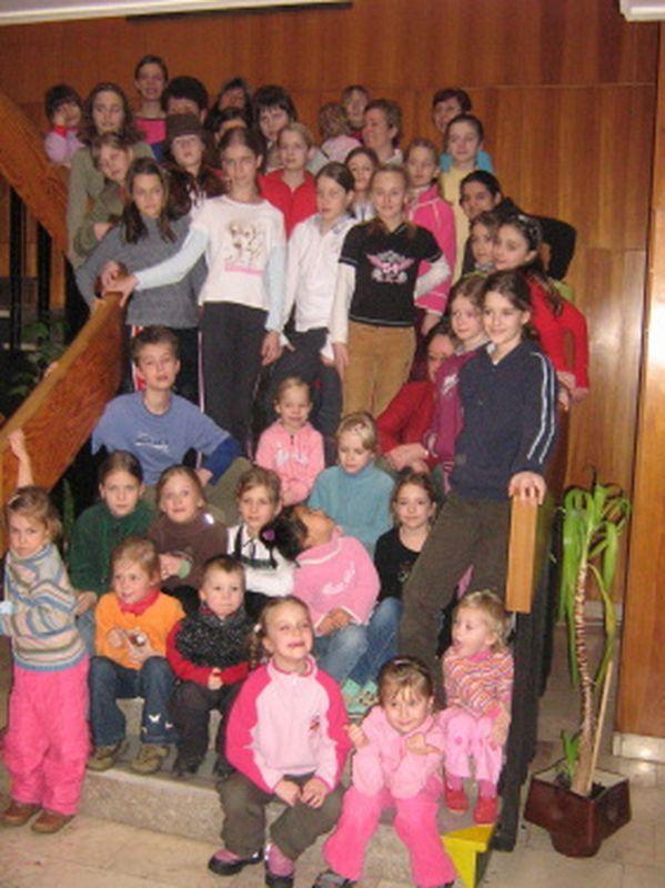 http://www.katlen.cz/media/fotogalerie/2008/soustredeni-malenovice/053.jpg